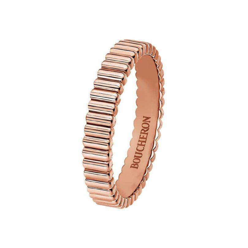 First product packshot Grosgrain pink gold wedding band