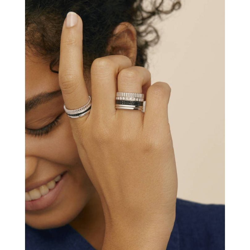 Second worn look Quatre Black Edition Large Ring