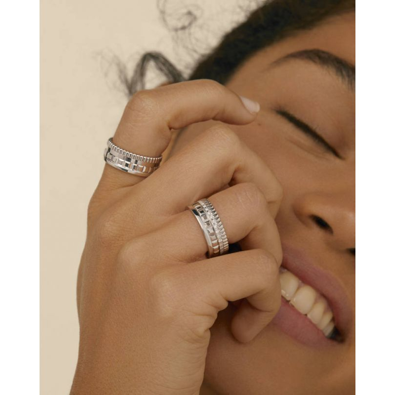 Second worn look Quatre Radiant Edition small ring