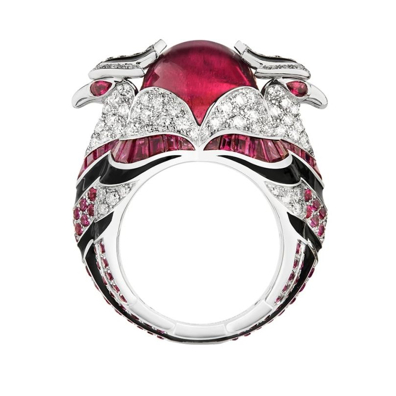 First product packshot Chinha, the eagle ring