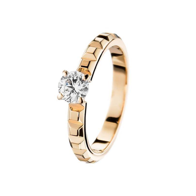 First product packshot Clou de Paris Engagement ring 0,20 carat