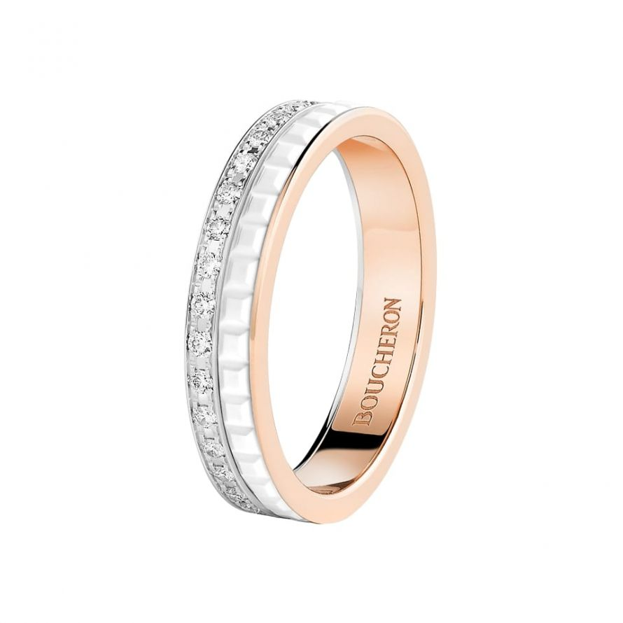 First product packshot Quatre White Edition wedding band