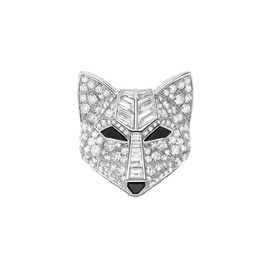 First product packshot Wolf Brooch